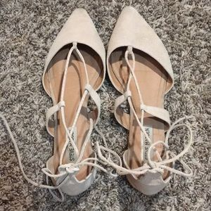 STEVE MADDEN TAUPE CROSS UP FLATS POINTED TOE